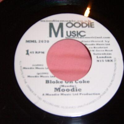 BLOKE ON COKE Moodie MML 2670